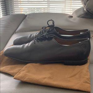 Gucci Shoes - Men's Gucci classic black leather dress shoes